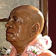 PRABHUPADA MURTI CLOSE-UP.