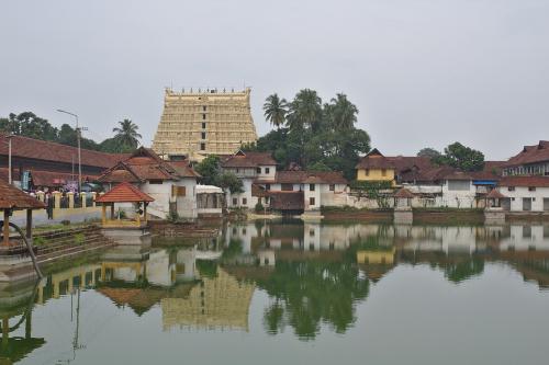 1280px-TVM_Padmanabhaswamy_Temple
