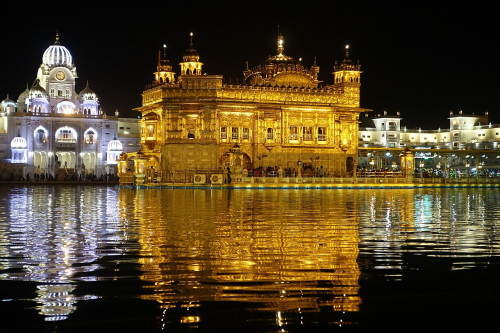 1280px-Golden_Temple_nighttime