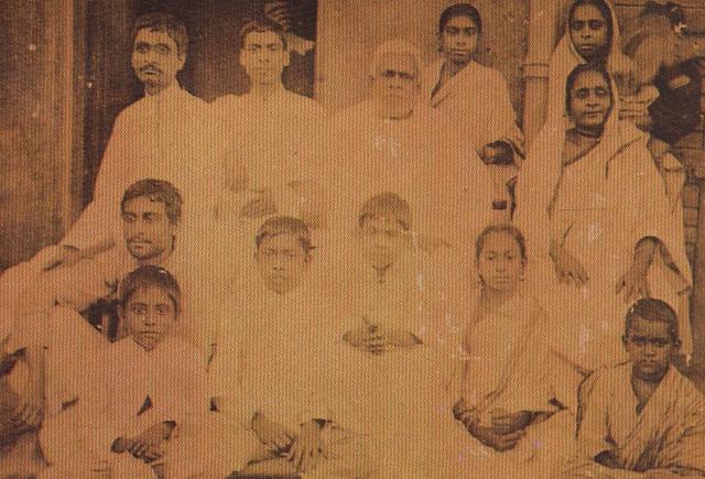 BHAKTISIDDHANTA SARASWATI - FAMILY PORTRAIT.