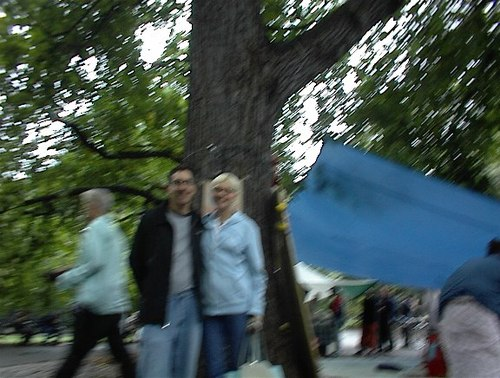 JOHN AND SANDY UNDER THE PRABHUPADA TREE