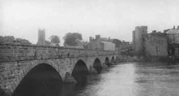 THOMAND BRIDGE AND CASTLE BARRICKS AT LIMERICK.